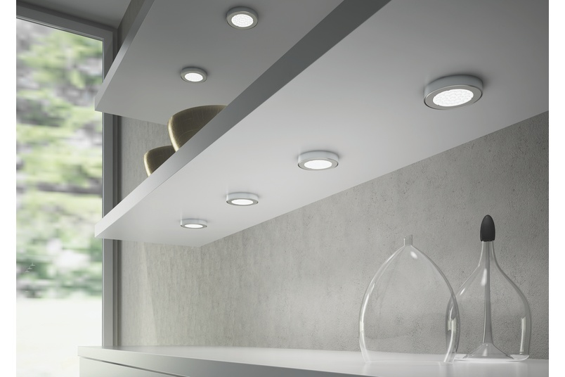 Domus Line Metris LED spotlight and straight spacer.