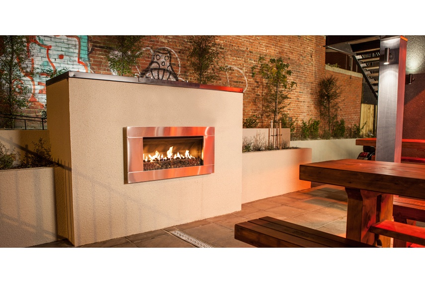 Escea EF5000 gas heater in a restaurant outdoor area.
