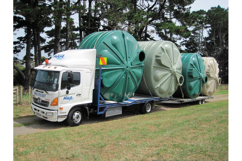 Aqua water storage tanks