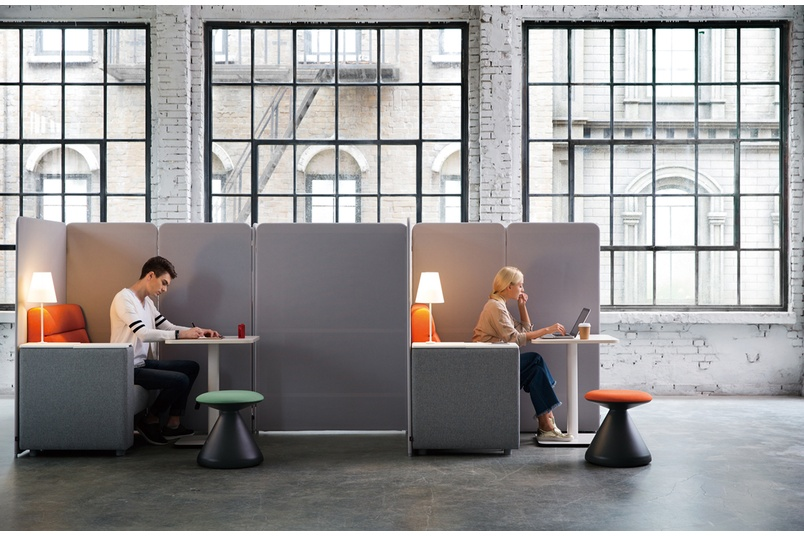 Square's modular elements allow unlimited choice of layout and reconfiguration of collaborative spaces.