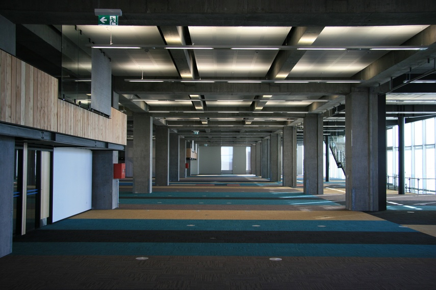 Equilibrium II carpet tile – before desking