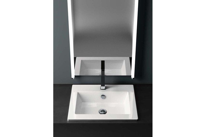Smooth inset sink.