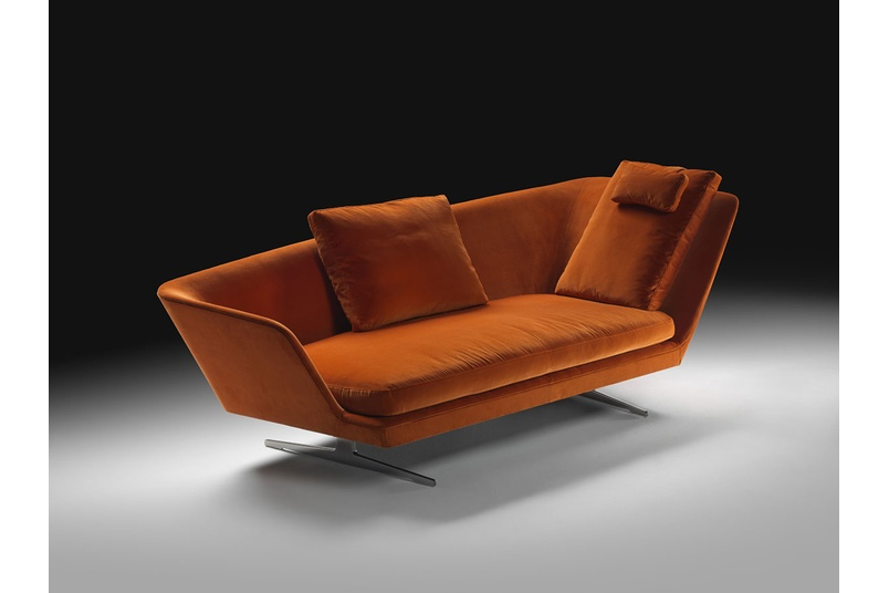 The Zeus sofa: comfortable and sturdy at once.
