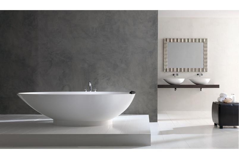 Napoli freestanding bath.