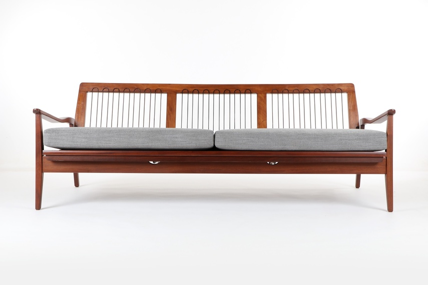 Sofa daybed by Vono.