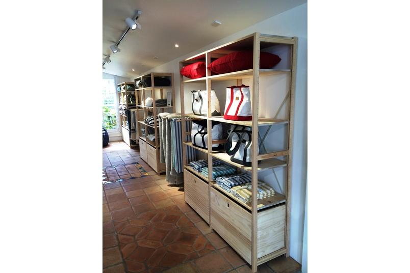 Lundia's retail storage ensures that stores stay on-brand.