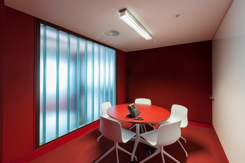 Light transmission through internal walls
