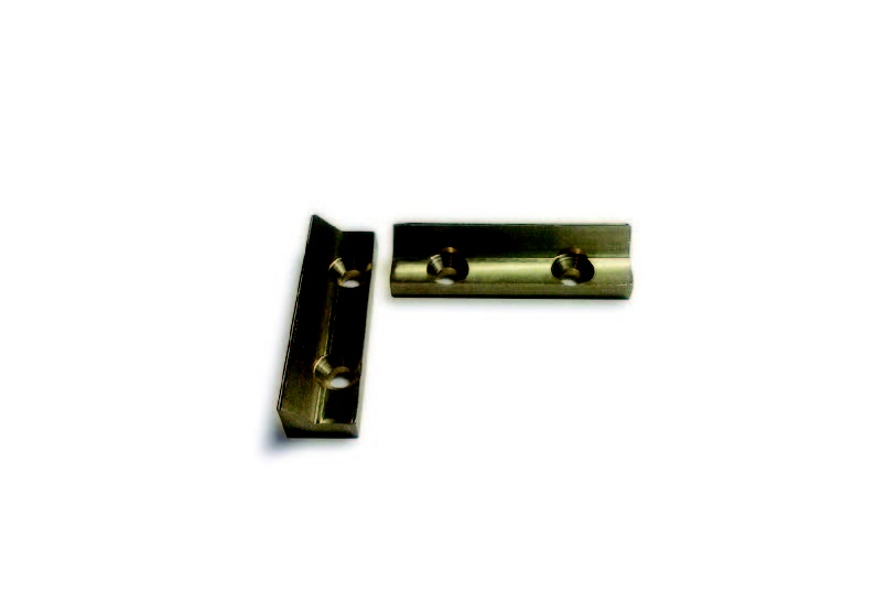 To be used with HB1410 Timber Fixing Kit on timber doors