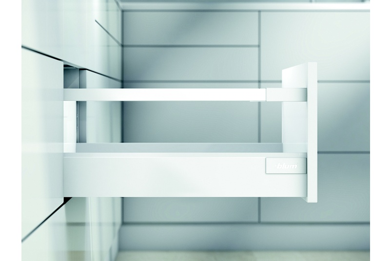 Tandembox antaro is a steel sided drawer system with rectangular gallery rails for deeper pull-outs.