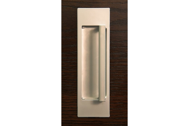 HB679 D flush pull is useful where flush mounting is required, but the additional grip of a handle is desirable.